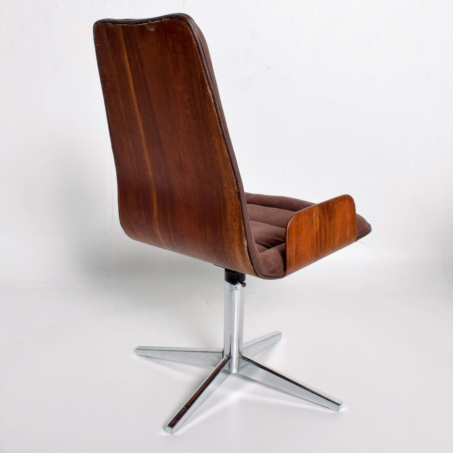 Sculptural Bent Walnut Plywood Dining Chairs Set of Six Mid Century Modern
