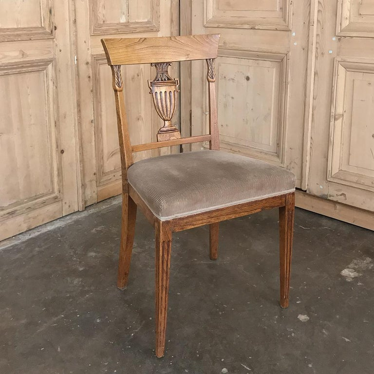 Set of Six 18th Century Neoclassical Swedish Dining Chairs For Sale 3