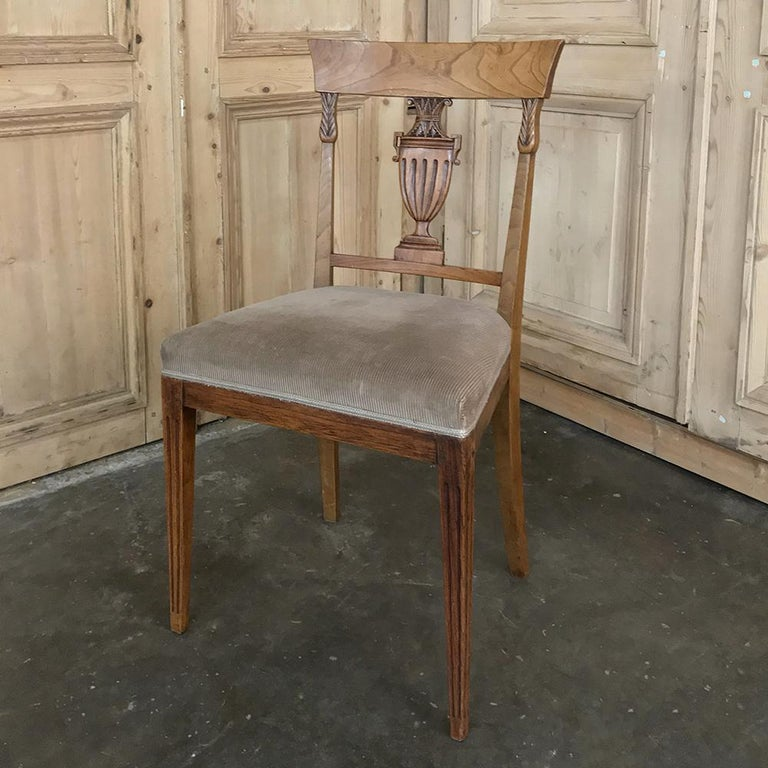 Set of Six 18th Century Neoclassical Swedish Dining Chairs For Sale 4