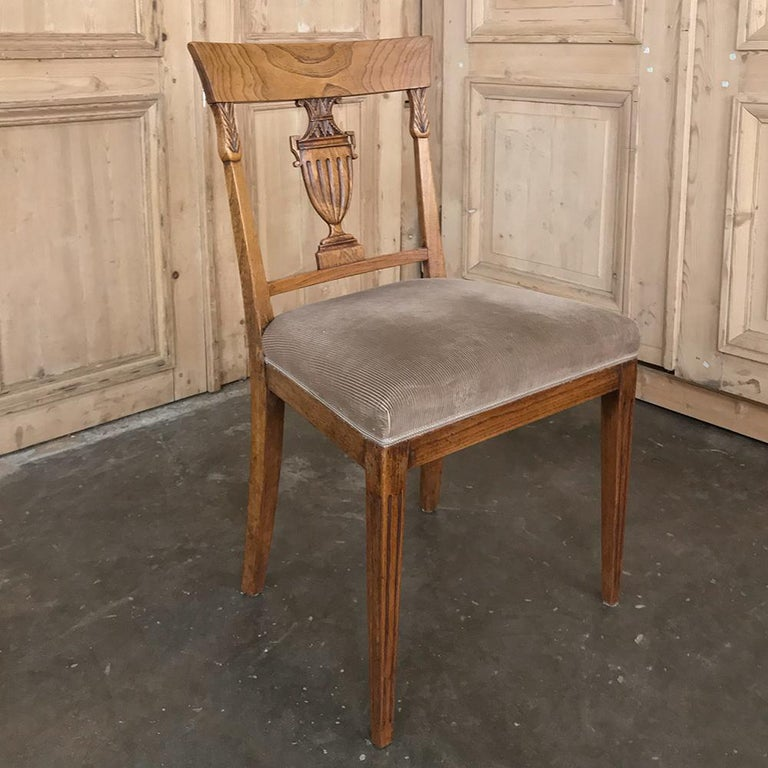 Set of Six 18th Century Neoclassical Swedish Dining Chairs For Sale 6