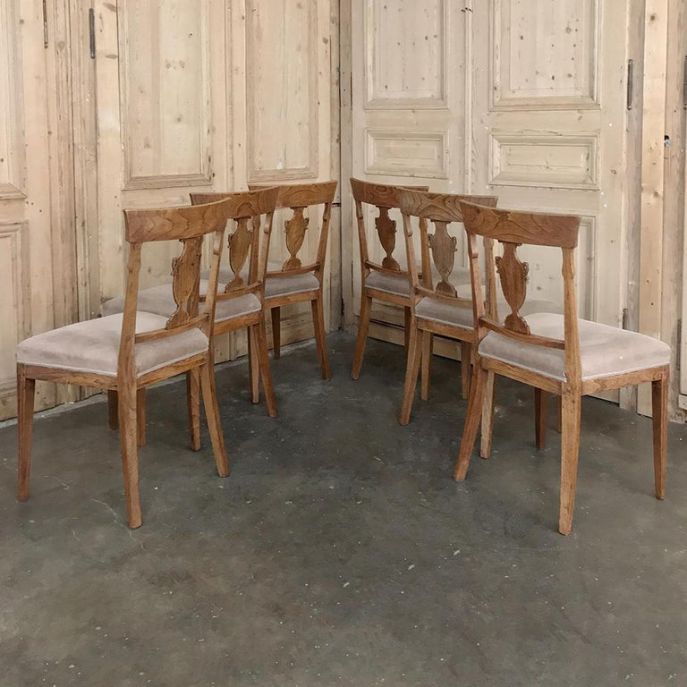 Hand-Crafted Set of Six 18th Century Neoclassical Swedish Dining Chairs For Sale