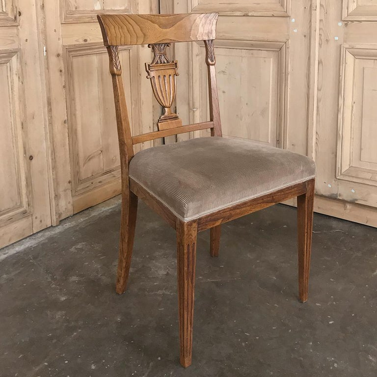 Set of Six 18th Century Neoclassical Swedish Dining Chairs For Sale 2
