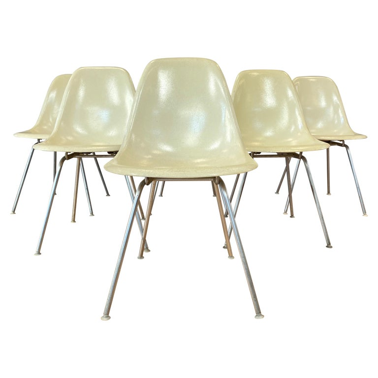 Set of Six Eames for Herman Miller DSX and DSG Side Chairs in Parchment, 1959 For Sale
