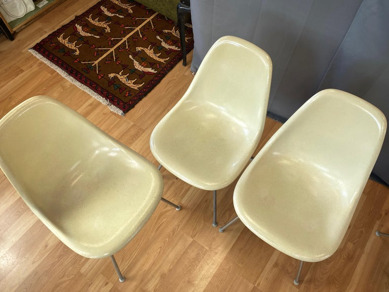 Mid-20th Century Set of Six Eames for Herman Miller DSX and DSG Side Chairs in Parchment, 1959 For Sale