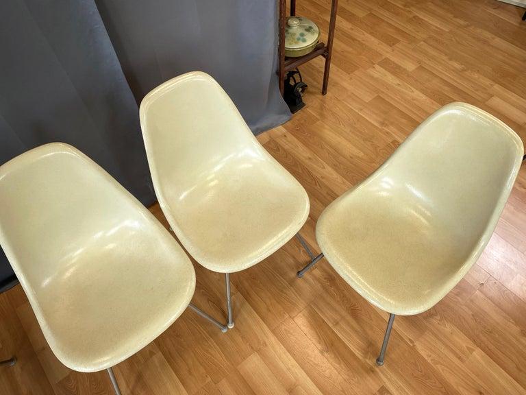 Rubber Set of Six Eames for Herman Miller DSX and DSG Side Chairs in Parchment, 1959 For Sale