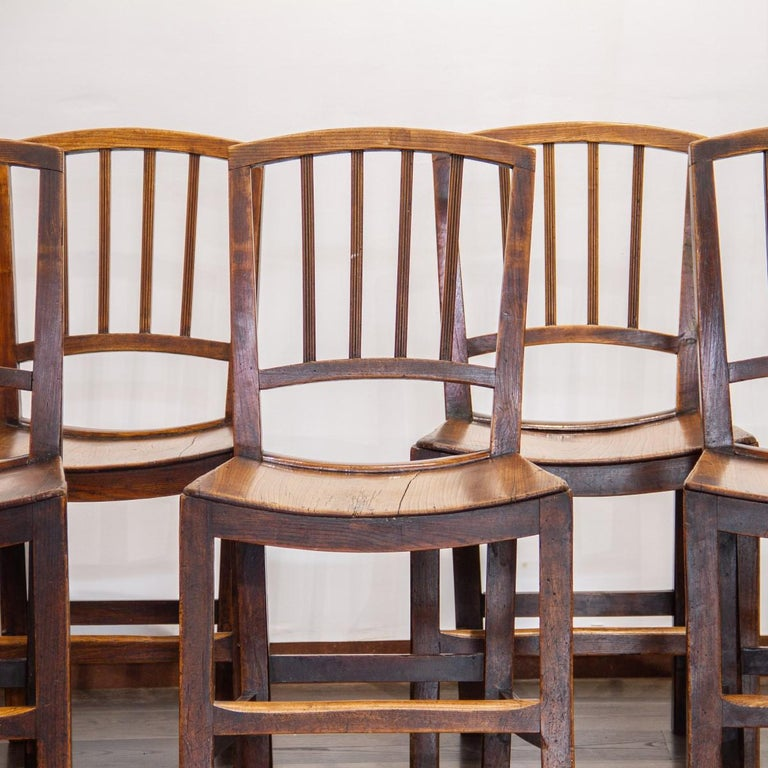 English Set of Six Early 19th Century Elm Dining Chairs For Sale