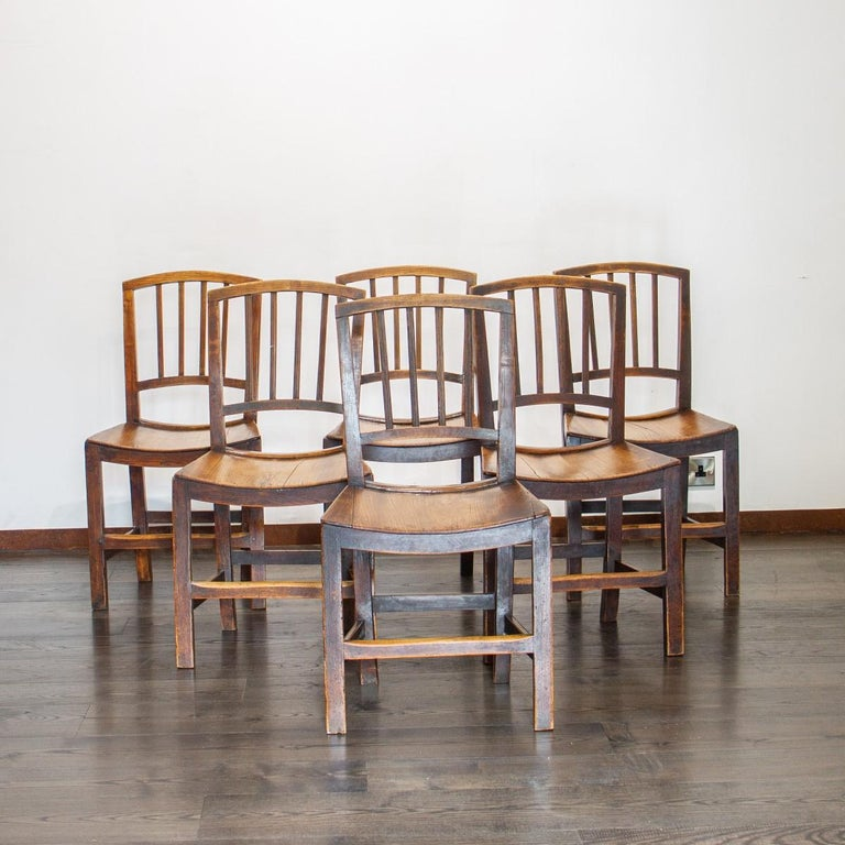 Set of Six Early 19th Century Elm Dining Chairs In Good Condition For Sale In Donhead St Mary, Wiltshire