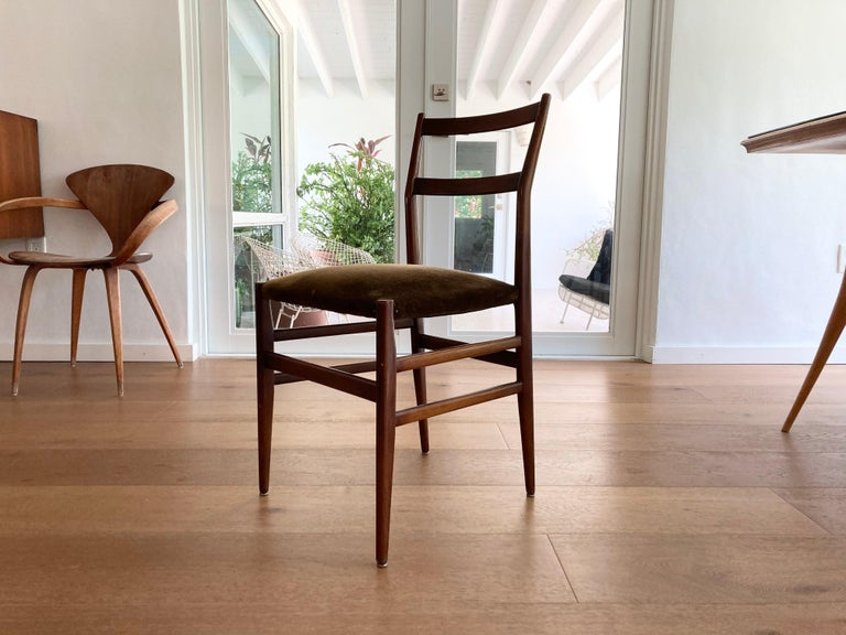 Set of Six Early Leggera Dining Chairs by Gio Ponti for Cassina For Sale 3