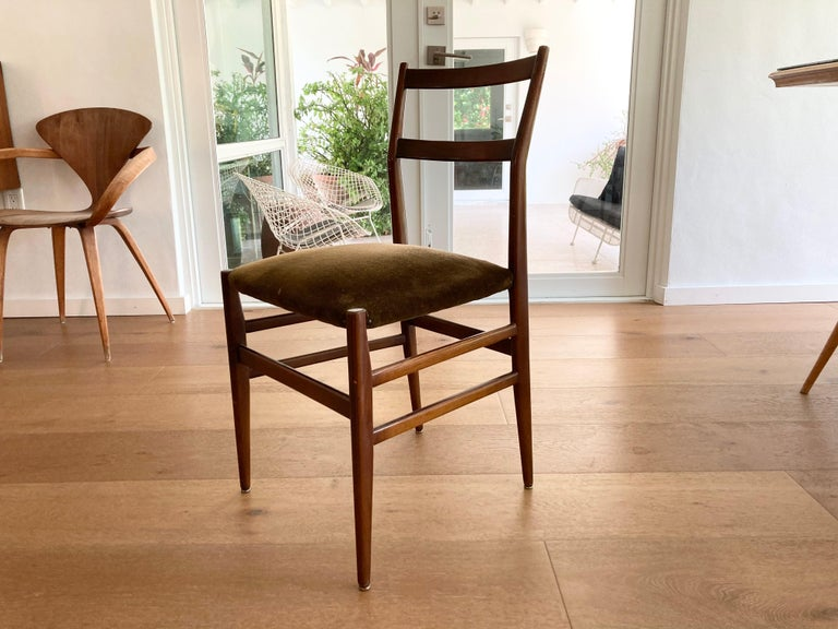 Set of Six Early Leggera Dining Chairs by Gio Ponti for Cassina For Sale 4