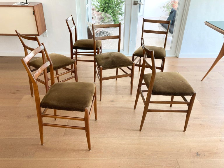 Italian Set of Six Early Leggera Dining Chairs by Gio Ponti for Cassina For Sale