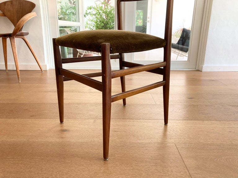 Set of Six Early Leggera Dining Chairs by Gio Ponti for Cassina For Sale 1