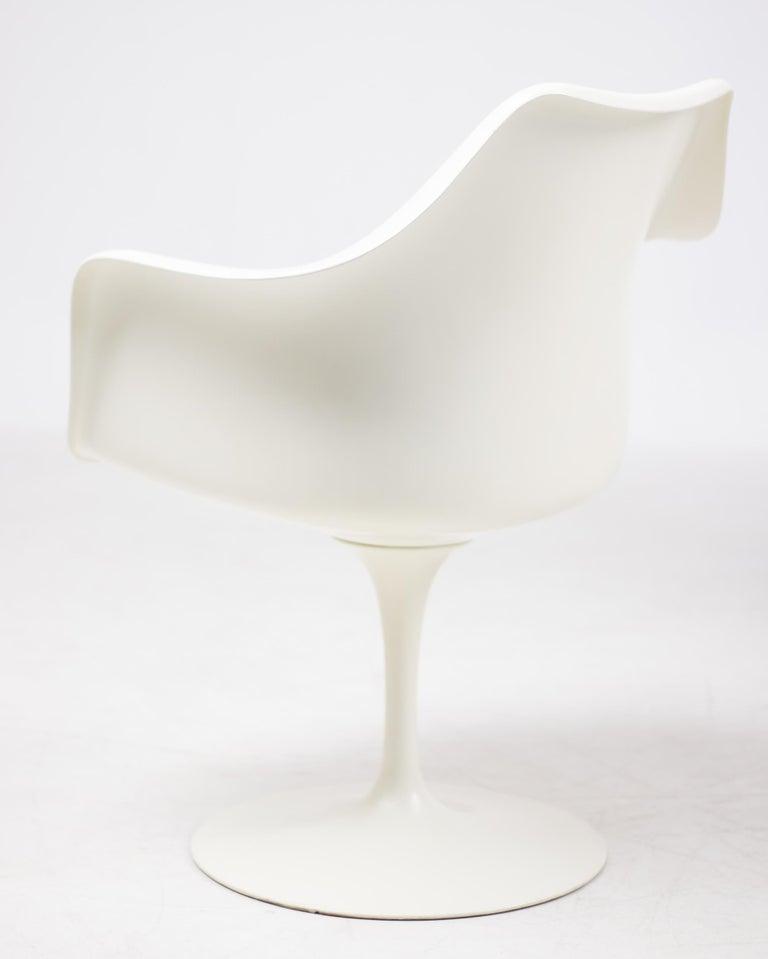 Mid-Century Modern Set of Six Eero Saarinen Model 150 Tulip Armchairs by Knoll International For Sale