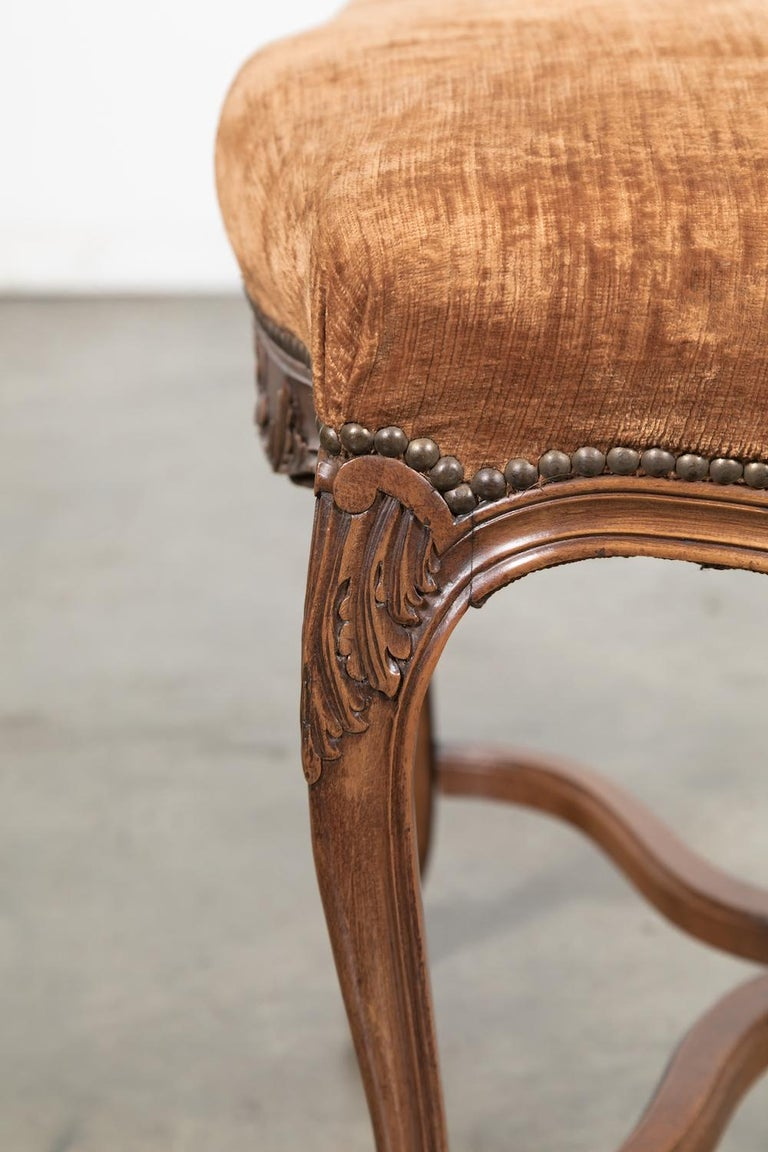 Set of Six French Louis XV Style Carved Dining Side Chairs For Sale 3