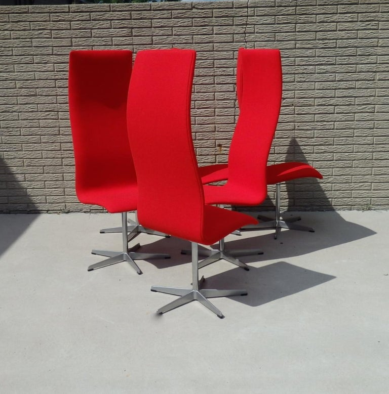 Set of Eight Freshly Restored Arne Jacobsen Fritz Hansen High Back Oxford Chairs In Excellent Condition For Sale In Ferndale, MI
