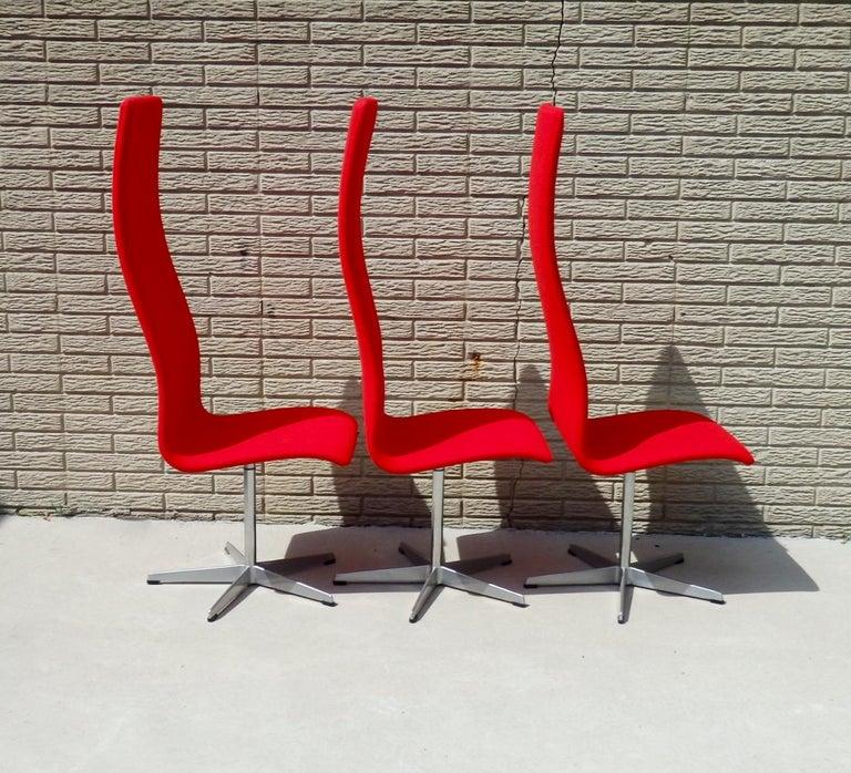 Set of Eight Freshly Restored Arne Jacobsen Fritz Hansen High Back Oxford Chairs For Sale 9