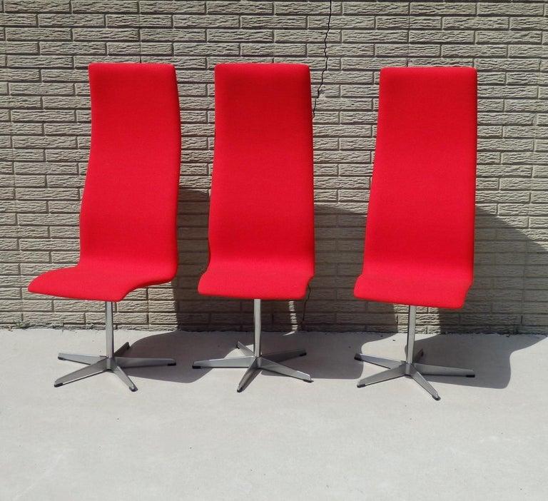 Set of Eight Freshly Restored Arne Jacobsen Fritz Hansen High Back Oxford Chairs For Sale 1