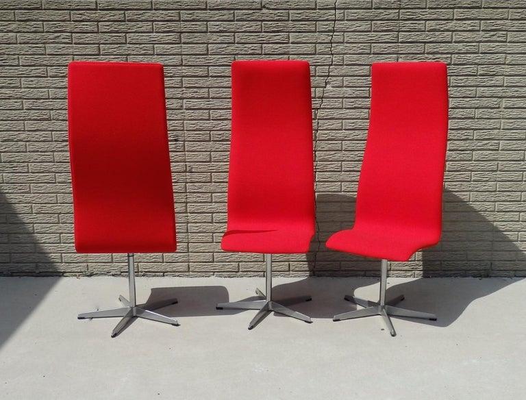 Set of Eight Freshly Restored Arne Jacobsen Fritz Hansen High Back Oxford Chairs For Sale 2