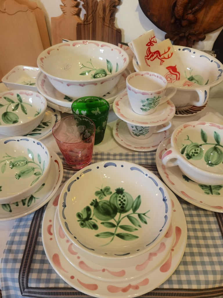 Set of Six Hand-Painted Ceramic Dinner Plates Sofina Boutique Kitzbühel Austria In New Condition For Sale In Kitzbuhel, AT