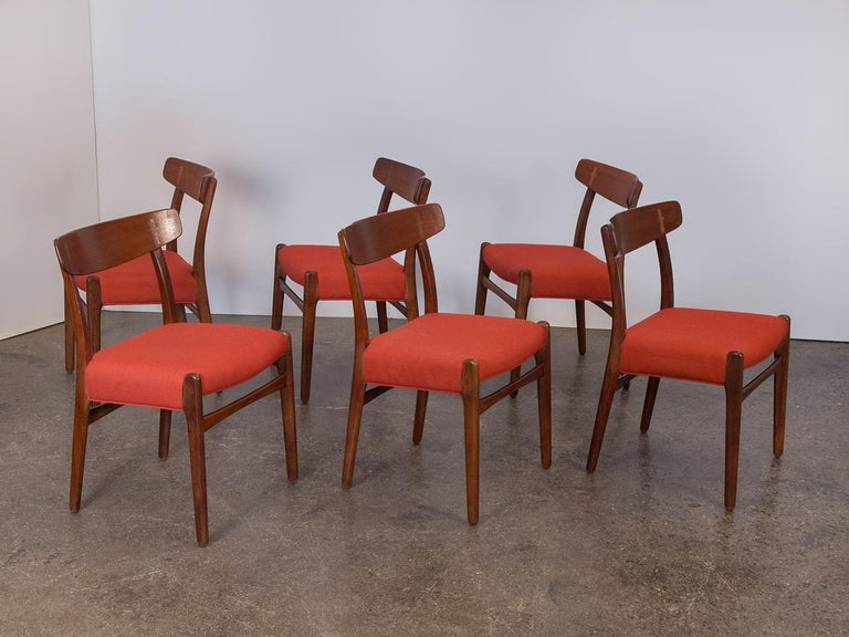 Mid-Century Modern Set of Six Hans J. Wegner Ch-23 Dining Chairs for Carl Hansen For Sale