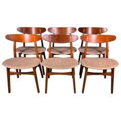 Set of Six Hans Wegner CH-30 Dining Chairs Produced by Carl Hansen