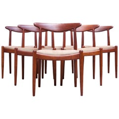 Set of Six Hans Wegner W2 Dining Chairs for C.M. Madsen in Oak