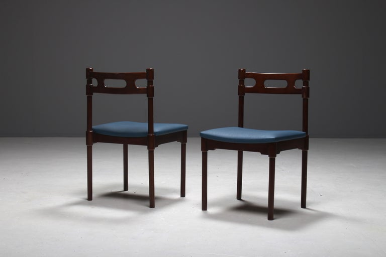 Mid-20th Century Set of Six Italian Gianfranco Frattini Style Walnut Dining Chairs, 1960s For Sale