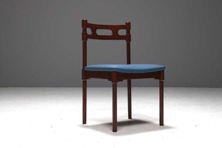 Set of Six Italian Gianfranco Frattini Style Walnut Dining Chairs, 1960s For Sale 1