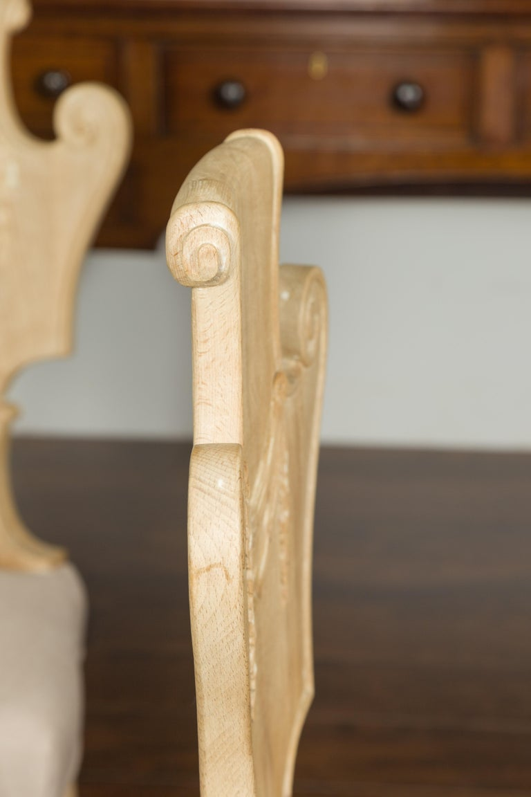 Set of Six Italian Midcentury Bleached Walnut Dining Room Chairs with Scrolls For Sale 4