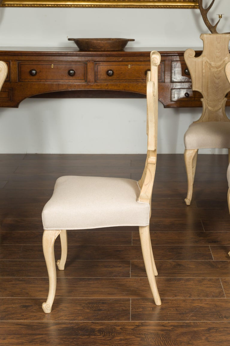 Set of Six Italian Midcentury Bleached Walnut Dining Room Chairs with Scrolls For Sale 6