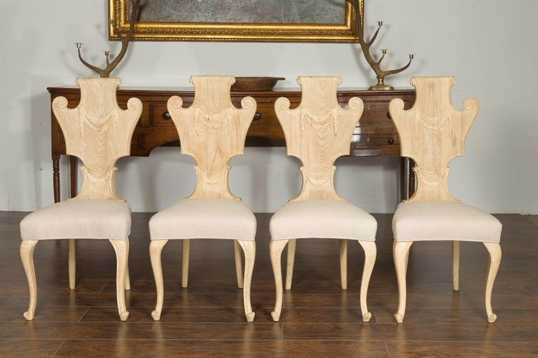 Set of Six Italian Midcentury Bleached Walnut Dining Room Chairs with Scrolls In Good Condition For Sale In Atlanta, GA