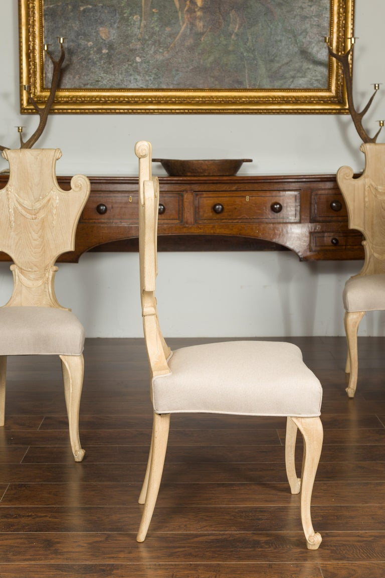 Set of Six Italian Midcentury Bleached Walnut Dining Room Chairs with Scrolls For Sale 3