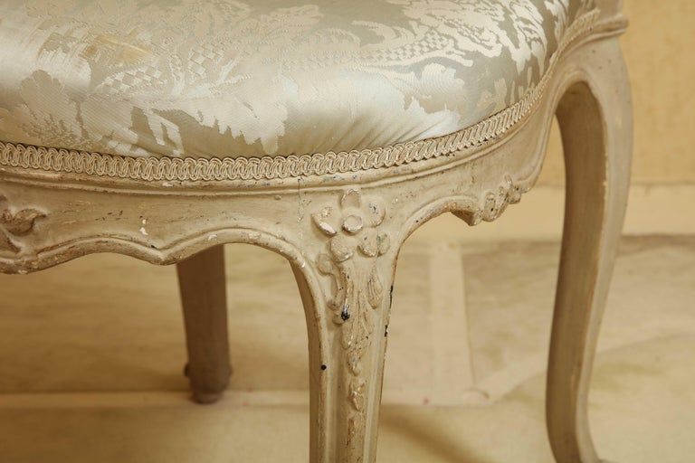 Set of Six Louis XV A La Reine Style Grey Silk Grey Upholstered Dining Chairs For Sale 4