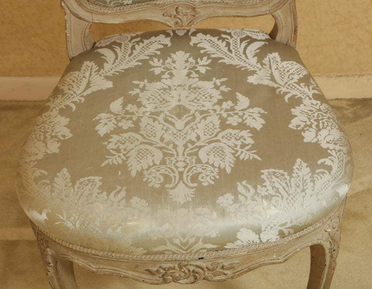 Late 20th Century Set of Six Louis XV A La Reine Style Grey Silk Grey Upholstered Dining Chairs For Sale