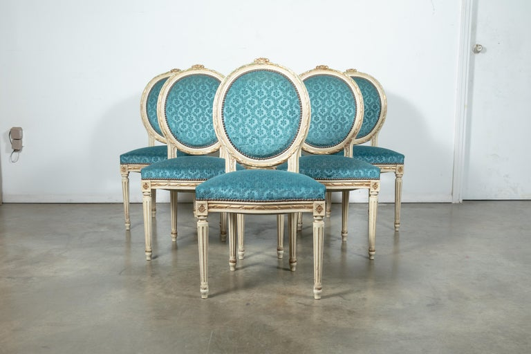 Set of Six Louis XVI Style Maison Jansen Parcel-Gilt and Painted Dining Chairs For Sale 11