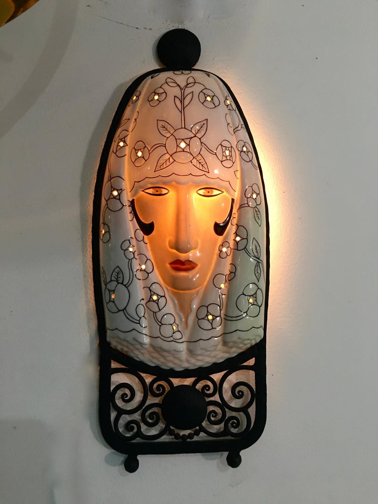 Set of Six Marcel Bever Art Deco Mask Wall Lights In Good Condition For Sale In Hingham, MA