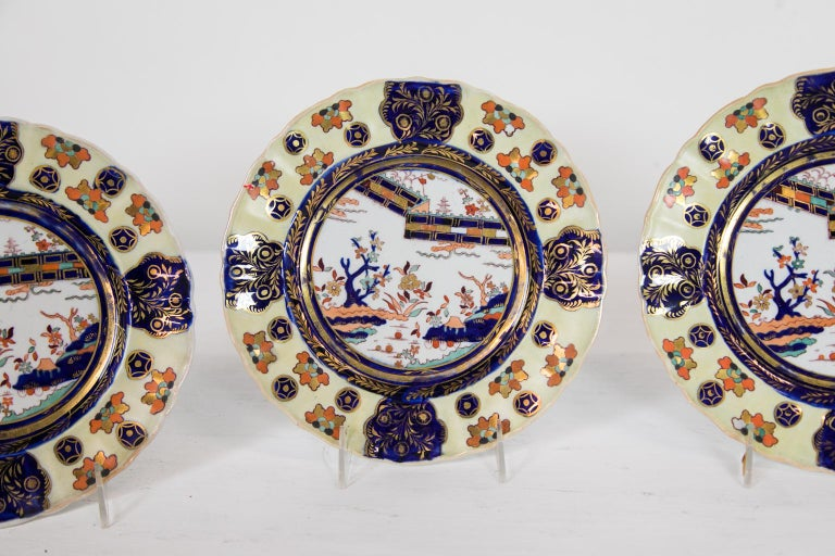 Set of Six Mason's Ironstone Dinner Plates In Good Condition For Sale In Wilson, NC