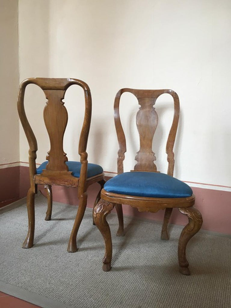 Italy Mid-18th Century Set Six Dining Chairs Solid Oak Hand Carved For Sale 5