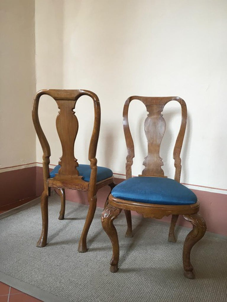 Italy Mid-18th Century Set Six Dining Chairs Solid Oak Hand Carved In Good Condition For Sale In Brescia, IT