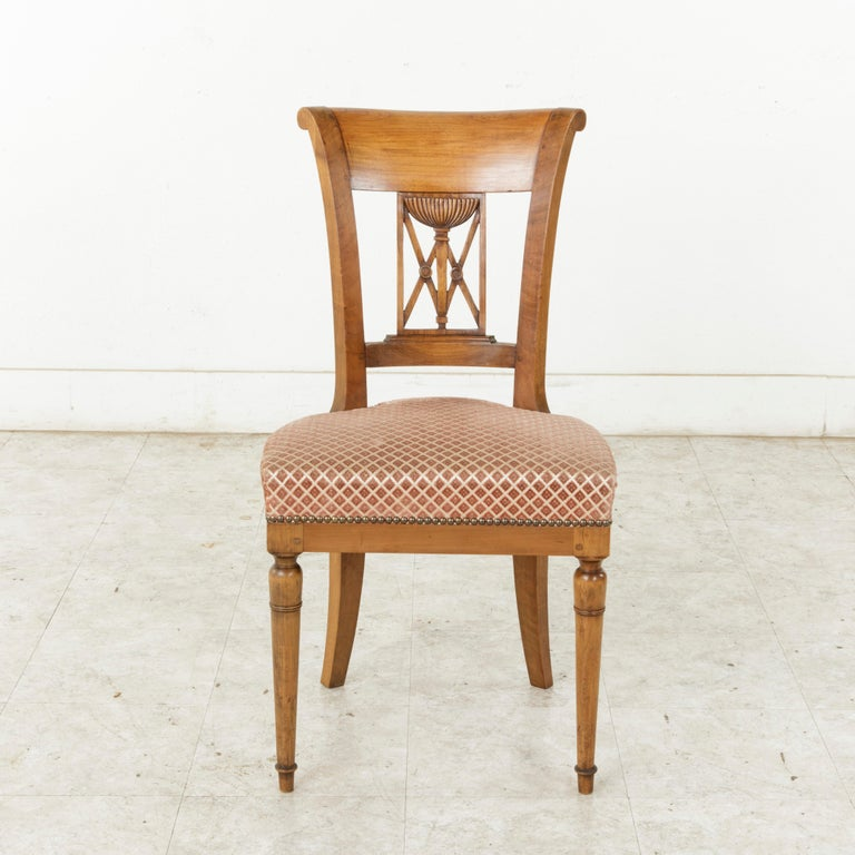 Set of Six Mid-20th Century French Directoire Style Walnut Dining Side Chairs In Good Condition For Sale In Fayetteville, AR