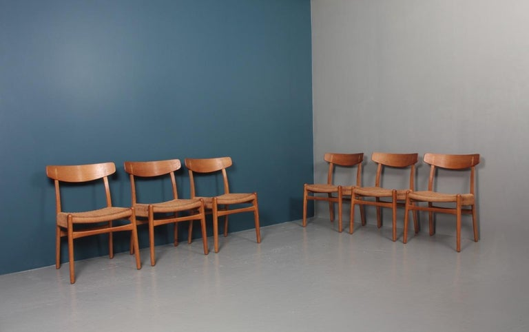 Set of Six Midcentury CH 23 Side Chairs in Oak by Wegner Danish Design, 1950s For Sale 7