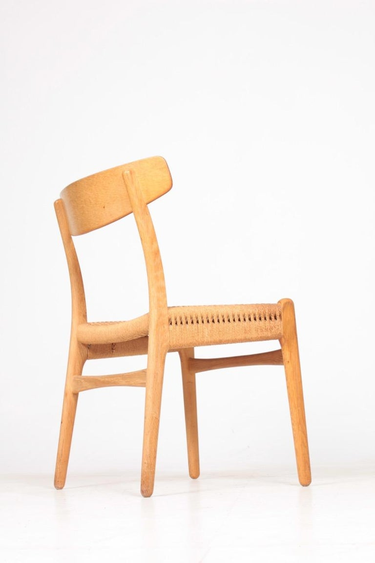 Set of Six Midcentury CH 23 Side Chairs in Oak by Wegner Danish Design, 1950s For Sale 3