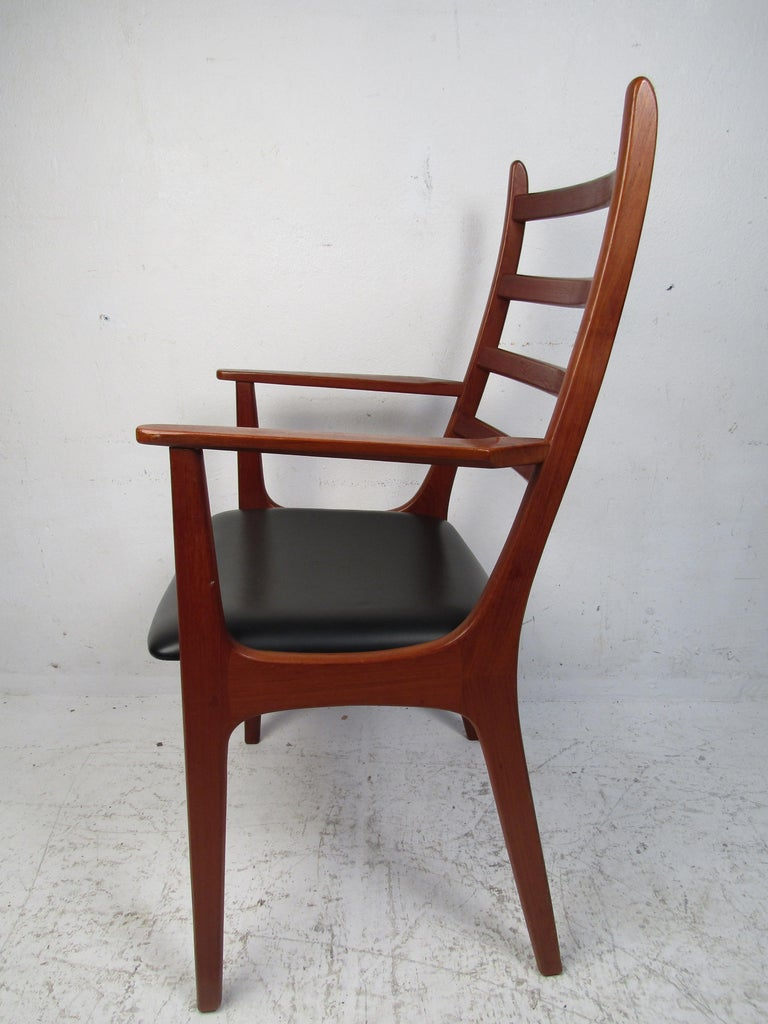 Set of Six Mid-Century Modern Danish K.S. Dining Chairs In Good Condition For Sale In Brooklyn, NY