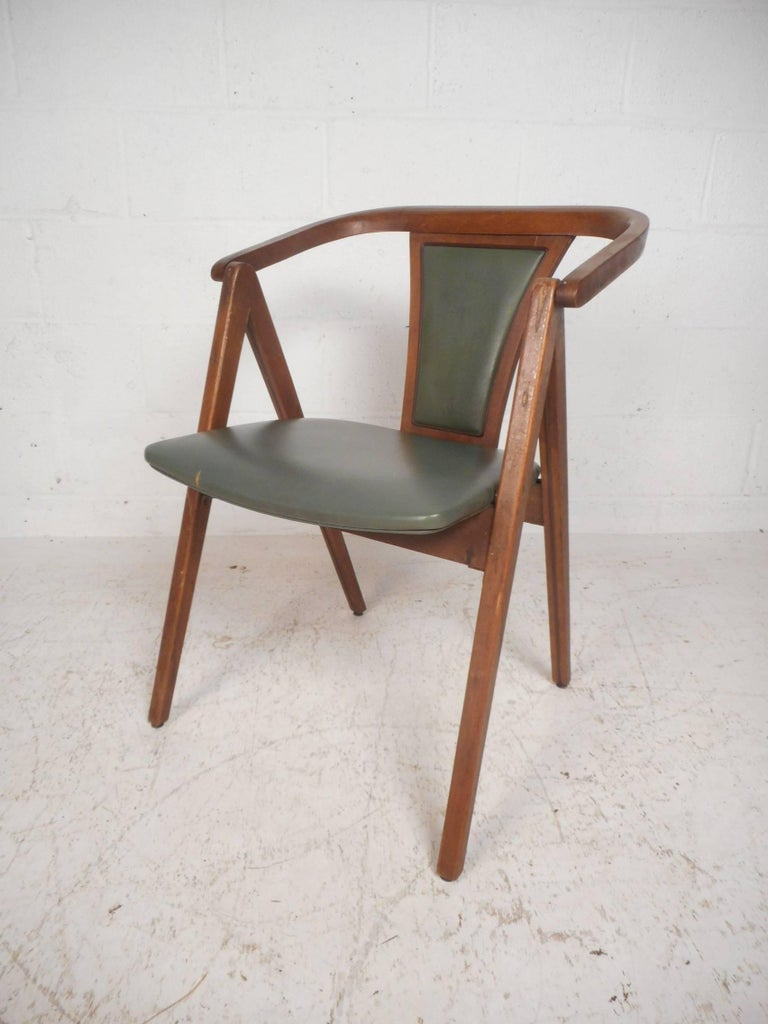 This Gorgeous Set Of Six Vintage Modern Dining Chairs Feature Sculpted Walnut Frames With Barrel Back