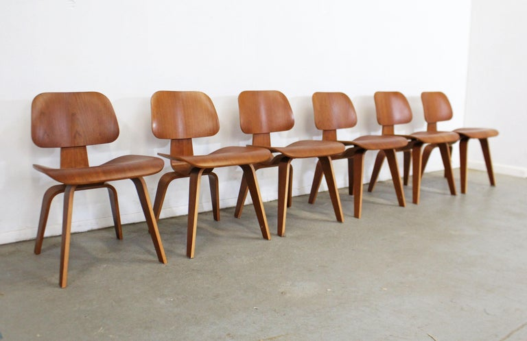 American Set of Six Mid-Century Modern Eames Herman Miller Molded Plywood Dining Chairs For Sale