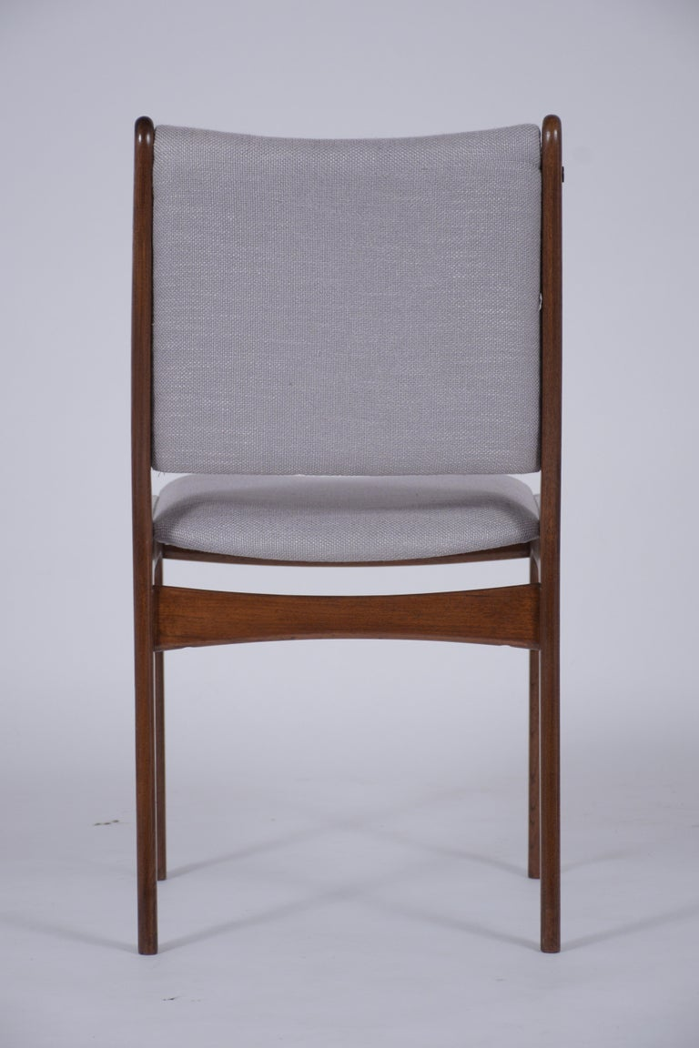 Set of Six Mid Century Modern Walnut Dining Chairs For Sale 4