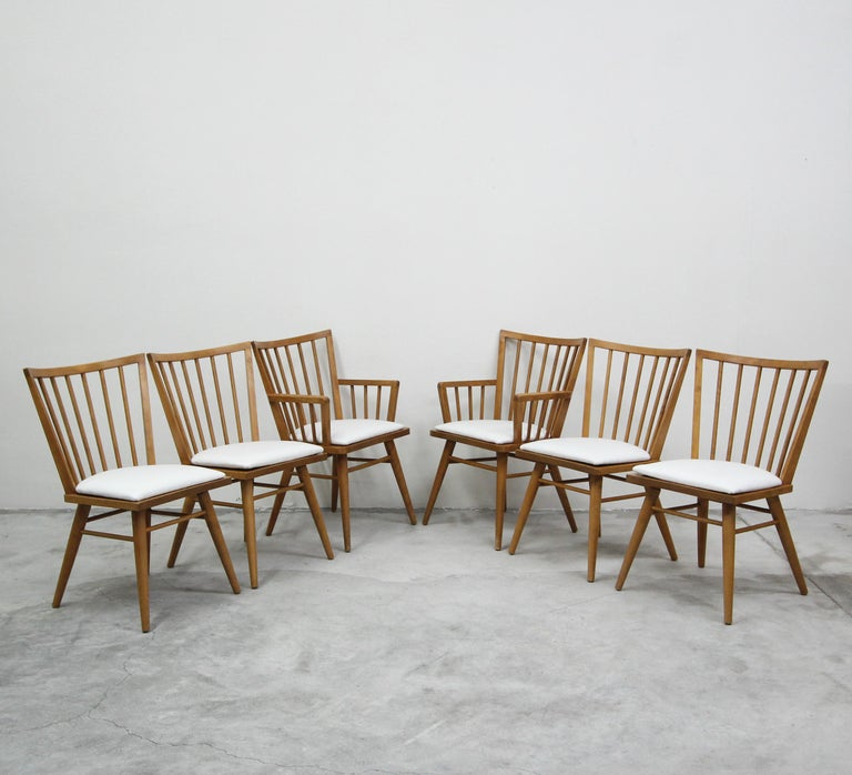 Set of Six Midcentury Maple Spindle Back Dining Chairs by Conant Ball In Excellent Condition In Las Vegas, NV