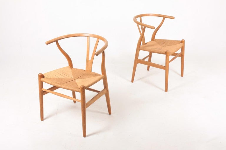 Danish Set of Six Midcentury Wishbone Chairs in Patinated Oak by Hans Wegner, 1960s For Sale