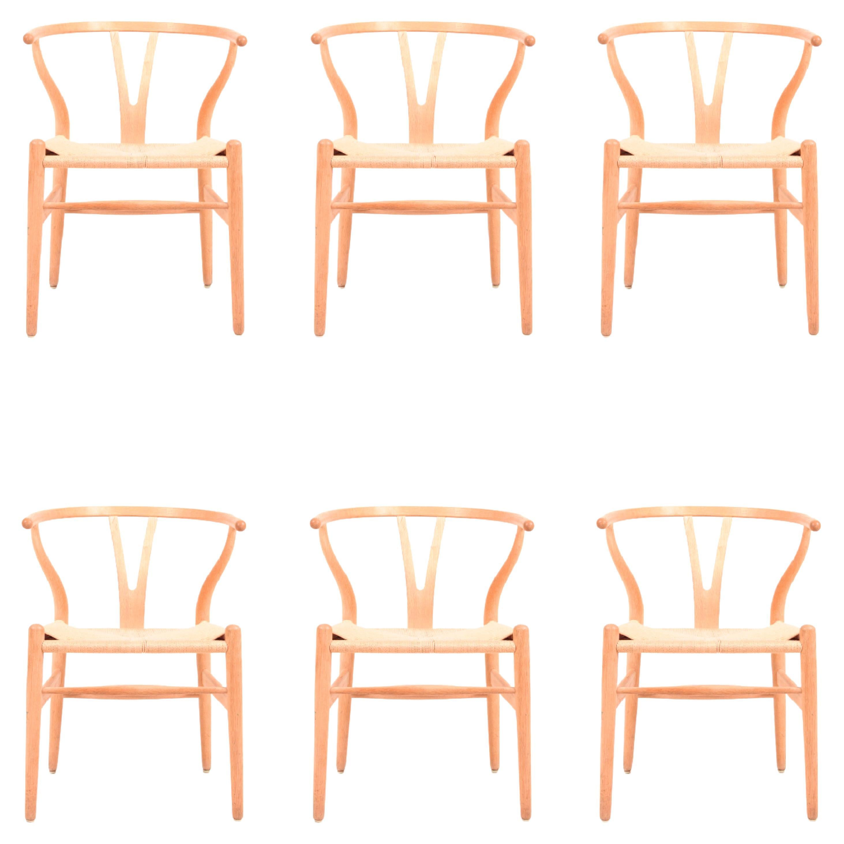Set of Six Midcentury Wishbone Chairs in Patinated Oak by Hans Wegner, 1960s