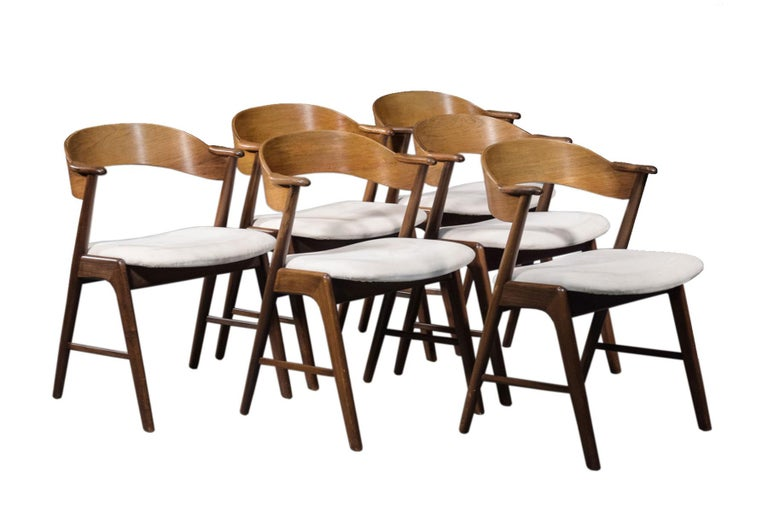 Set of Six Model 32 Kai Kristiansen Danish Modern Dining Chairs in Rosewood In Good Condition For Sale In Berkeley, CA