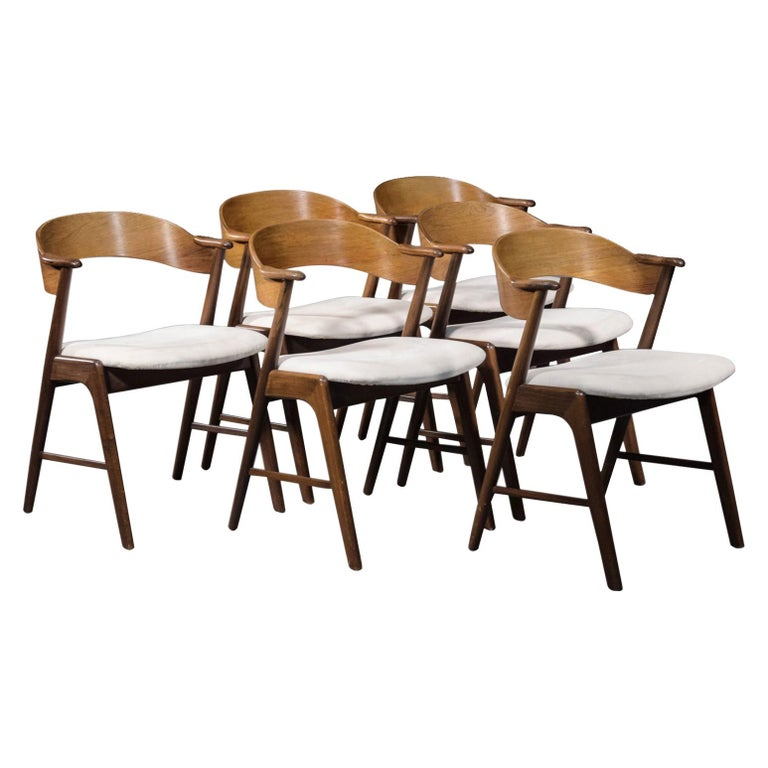 Set of Six Model 32 Kai Kristiansen Danish Modern Dining Chairs in Rosewood For Sale